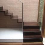 Σκάλα από ξυλεία Wenge, φινίρισμα με βερνίκι νερού